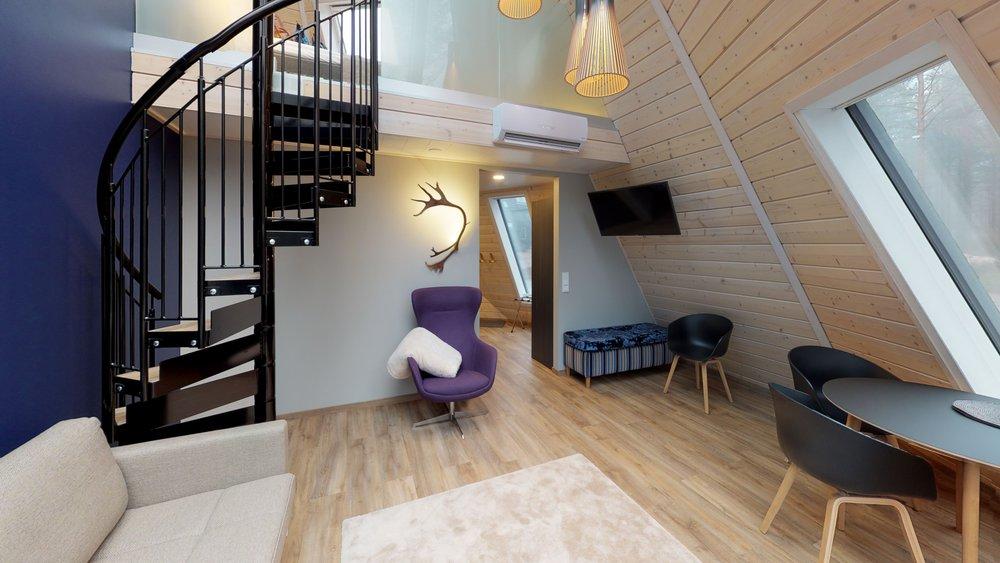 BT4jceBbvgN-Staircase